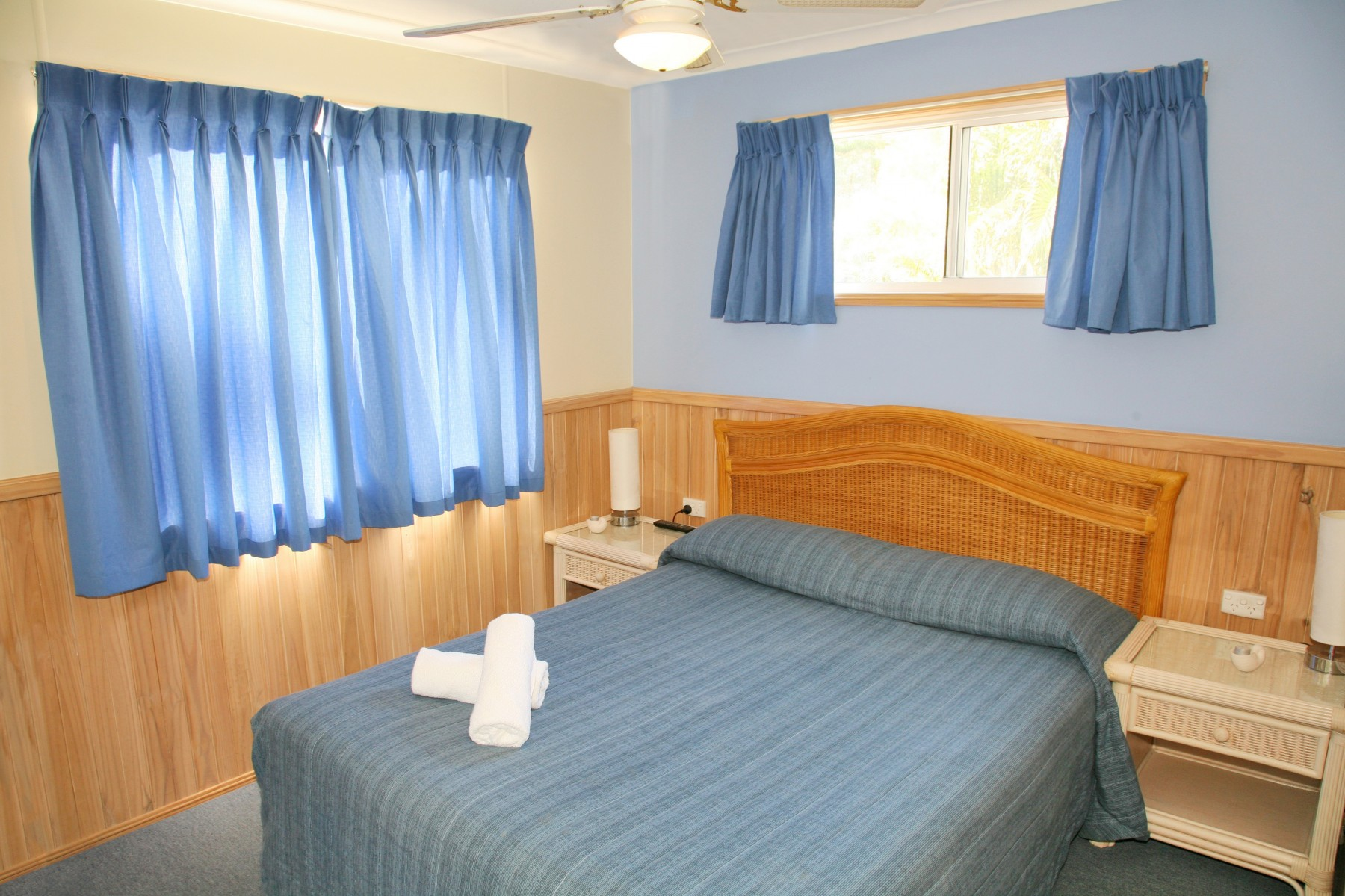 Main-Bedroom-Cabin-20-Sibarjak-2-Bedroom-Spa-Cabin1